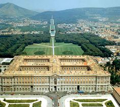 The Royal Palace of Caserta, Unesco World Heritage Site in Campania, Italy. Tourist information for travelers to Campania Versailles, Palaces, Beautiful World, Beautiful Places, Amalfi, Royal Residence, Baroque Architecture, Italian Garden, Trieste