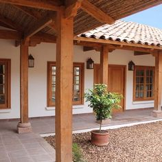 Spanish style homes – Mediterranean Home Decor Hacienda Style Homes, Spanish Style Homes, Spanish House, Mexico House, Kerala Houses, Patio Interior, Courtyard House, Traditional House, My Dream Home