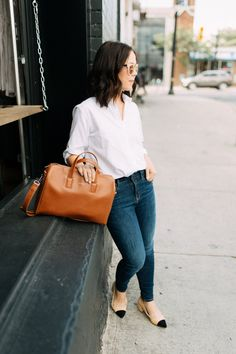Keeping it Classic |  Kait Bos fashion blogger | classic look, jeans and shirt outfit, vegan bag