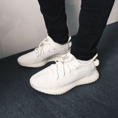 Mens Fashion Sneakers – The World of Mens Fashion Dope Fashion, Fashion Boots, Mens Fashion, Sneakers Smart Casual, Cream Outfits, Yeezy By Kanye West, Boost Shoes, Yeezy Shoes, Men S Shoes