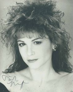 Dinah Manoff -- dig that crazy hair Dinah Manoff, 80s Hair, Grown Women, Actresses, Celebrities, Sexy, People, Grease, Empty