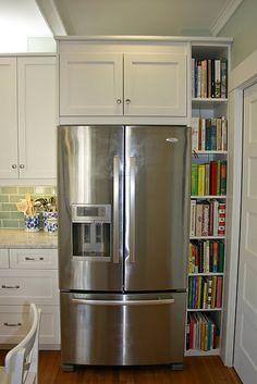In my dream kitchen - bookshelf for cook books Narrow Kitchen, Kitchen Redo, Kitchen Pantry, Kitchen And Bath, Kitchen Storage, New Kitchen, Kitchen Remodel, Kitchen Ideas, Kitchen Small