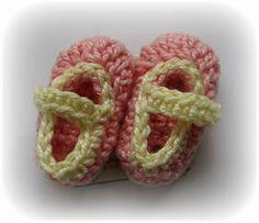 Crochet and Other Stuff: Crochet Mini Booties Souvenir - free pattern