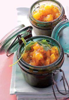Mango-Chutney - Geschenke aus der Küche: Rezeptideen - Sie sind auf der Suche nach einem selbst gemachten Geschenk, das nicht süß ist? Dann verschenken Sie doch dieses leckere Mango-Chutney! Die fruchtige Süße der Mangos wird...