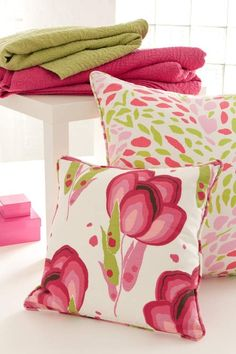 Hot pink,white and lime cushions!