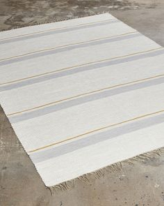 The most traditional of all cotton rugs. A perfect choice when you want to add a warm and cosy feeling to your home. Cotton Rugs, Handmade Rugs, Natural Materials, Cosy, Weaving, Warm, Traditional, Home Decor, Farmhouse Rugs