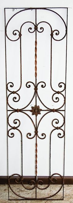 french ornamental iron   575: FRENCH WROUGHT IRON FENCE RAILING : Lot 575