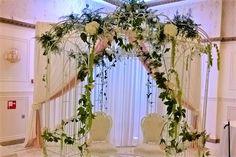 prieeltje trouwen, locatie bloemen Wreaths, Plants, Door Wreaths, Deco Mesh Wreaths, Plant, Floral Arrangements, Garlands, Floral Wreath, Planets