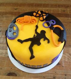 Climbing birthday cake – Famous Last Words Rock Climbing Wedding, Rock Climbing Cake, Climbing Wall, Sports Themed Cakes, Sport Cakes, Birthday Cake, Birthday Parties, 7th Birthday, Cakes For Men