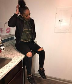 The under the weather society have been the initiator of loot into this constant modifying style superego entire world. Tomboy Outfits, Chill Outfits, Teenager Outfits, Cute Casual Outfits, Simple Outfits, Outfits For Teens, Teen Fashion Outfits, Look Fashion, Black Girl Fashion