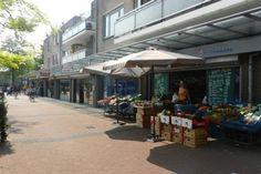 #winkelruimte te #huur #winkelcentrum #toplocatie #Rotterdam #vastgoed #ondernemers #bieden op de huurprijs! #huurbieding #uniek #concept #helpt #ondernemers #rijn #havenstad #gaaf #stad bekijk snel het object   http://www.huurbieding.nl/huur/winkelpanden/1-00452/rotterdam/oude-watering-286-204.html