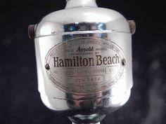 17 Arnold Model Drink Master - Manufactured by Hamilton Beach Hamilton Beach, Barware, Drinks, Model, Drinking, Beverages, Scale Model, Drink