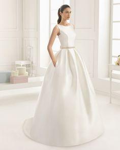 Abito di mikado con fibbia di strass. Collezione Rosa Clará Two 2016 Mod  Wedding 40b301cd47f