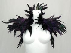 Maleficent Halloween Costume, Halloween Mode, Frozen Costume, Halloween Fashion, Couple Halloween, Halloween Costumes, Black Feather Dress, Black Feathers, Punk Fashion