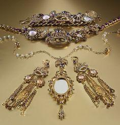 Mirror Mirror...BETSEY JOHNSON #jewelry #macys BUY NOW!