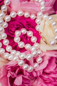 Heirloom Pearl Bridal Necklace | JACLYN SCHMITZ PHOTOGRAPHY | http://knot.ly/6493BvVGP | http://knot.ly/6494BvVGu