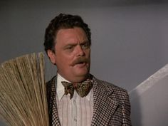 """Bombay (Bernard Fox) making a clean sweep on """"Bewitched"""" Bernard Fox, Fox 11, Hogans Heroes, Clean Sweep, Partridge Family, Titanic, Hashtags, Favorite Tv Shows, Witch"""