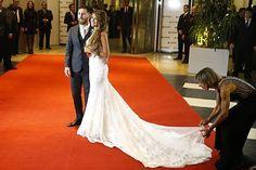 """""""Mientras en Barquisimeto estábamos acechados por la dictadura, el mundo seguía su rumbo. En Argentina, el famoso jugador de fútbol Leonel Messi contrajo nupcias con su pareja de 10 años, Antonella Roccuzzo, quien eligió a la modista @rosa_clara para diseñar sus dos vestidos! #EventPlanner #WeddingAndEventPlanner #WeddingPlanner #Bodas #Eventos"""" by @marieweddingplanner"""