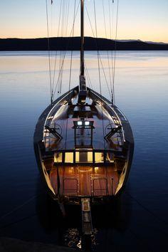 Sailing Yacht - Lernen auf die Natur zu hören, mit ihr zu arbeiten und geduldig zu sein.