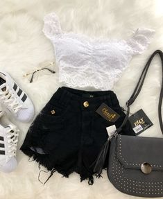 z a a m b r a n o 2 9 ⚜loving the shorts 😍 roupas futuras, Cute Summer Outfits, Cute Casual Outfits, Short Outfits, Stylish Outfits, Teen Fashion Outfits, Outfits For Teens, Girl Outfits, Fashion Fashion, Tumblr Fashion