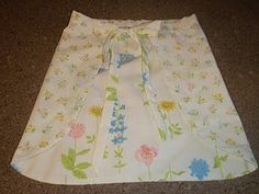 Vintage sheet apron