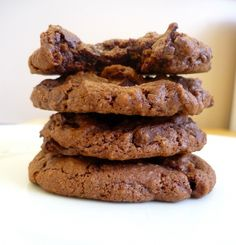 CHEWY COCOA COOKIES  Adapted from Alice Medrich's Cooking Light.