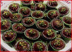 Vánoční cukroví :: Jiříkova kuchařka Czech Recipes, Mini Cupcakes, Tiramisu, Baking Recipes, Sweet Tooth, Cheesecake, Food And Drink, Breakfast, Desserts