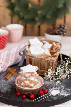 Los polvorones de canela son el clásico infalible de la Navidad. Suaves y con todo el sabor de estas Fiestas. Disfruta de una receta fácil!