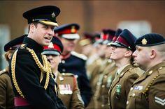 La plus militaire    La duchesse Catherine de Cambridge, née Kate Middleton, s'est rendue ce jeudi 10 décembre dans un centre de l'association «Action on Addiction», dont elle est la marraine. Pendant ce temps, son époux le prince William remettait à 160 membres du 22e Hôpital de campagne de l'Armée britannique la médaille Ebola du gouvernement, pour leur six mois de service contre le virus en Afrique en l'Ouest en 2014 et 2015