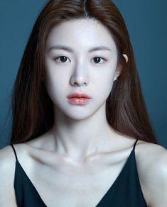Tips Bermain Capsa Susun Korean Beauty Girls, Cute Korean Girl, Asian Beauty, Girl Face, Woman Face, Pretty Makeup, Makeup Looks, Fotografie Portraits, Model Face