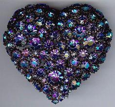 CIS VINTAGE HELIOTROPE BLUE RHINESTONE HEART FUR CLIP