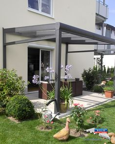 Simple Ein Alu Terrassendach der Marke REXOpremium Titan m x m in anthrazit mit massiven Plexiglasplatten