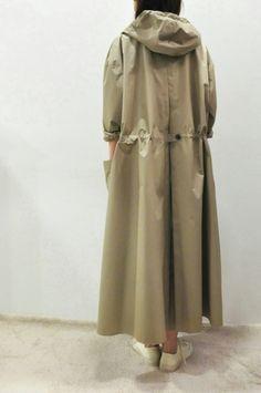 ENensorcivet Hooded Rain Coat & Blouson:arable soil :So-netブログ Latest Outfits, Fashion Outfits, Hijab Fashion, Womens Fashion, Fashion Trends, Irish Fashion, Langer Mantel, Fashion Details, Fashion Design
