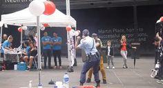 Policial feminina surpreendente em dança com vozinho - AC Variedades