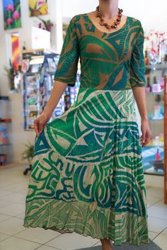 The Best Pacific and Samoa Shopping - Carvings, Crafts, Homeware and Gifts 1930s Fashion, Ethnic Fashion, Plus Fashion, African Fashion Dresses, Fashion Outfits, Dress Fashion, Island Outfit, Island Wear, Samoan Dress