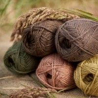 Blacker Yarns Lyonesse wool/linen - love this palette! From Cornwall, UK, they carry breed-specific yarns. <3