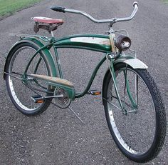 This is an Antique 1957′s AMF CWC Cleveland Welding built Roadmaster fattire cruiser bicycle. CWC bikes are built rugged and are considered some of the cooler classic tank bikes. This particular CWC bike was made after AMF bought CWC. Kinda rare because most of the AMF bikes are middle weight bikes, so this ballooner bike very well may have been the last of its kind.