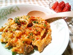 朝ごはんにリゾット(*^▽^*)  デザートにはイチゴ( ´艸`) - 64件のもぐもぐ - きのこのトマトリゾット再び(≧∀≦) by yukkomama
