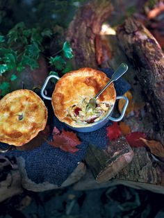 magazine [pin_tittle] Chicken, chorizo and cider pot pies recipe. Classic chicken pies with chorizo and cider make a perfect winter warmer on a cold night. Mary Berry, Pie Recipes, Cooking Recipes, Chicken Recipes, Chicken Ideas, Recipies, Bacon Pie, Savoury Baking, Savoury Pies