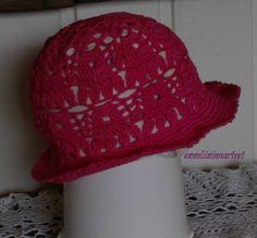 virkattu kesähattu - crochet summer hat, crochet brimhat Crochet Summer Hats, Hat Crochet, Sewing, Crafts, Dressmaking, Manualidades, Couture, Stitching, Handmade Crafts
