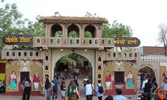 Get perfect Rajasthani experience at the ethnic village resort-Chokhi Dhani.