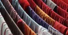 Jak wykorzystać ocet podczas prania? Te sposoby Cię zaskoczą!