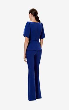 V-neck, peplum top with lotus sleeve drape in skiathos blue. Styled with the skiathos blue Halluana trousers. Elegant Office Wear, Safiyaa, Blazer Outfits, Size Model, Outfit Sets, Elegant Dresses, Pattern Fashion, Peplum Dress, Skiathos