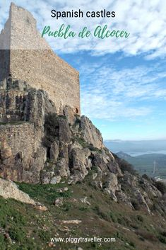The castle with one of the most spectacular views I've ever seen is in Puebla de Alcocer, a very small town in this often forgotten corner of Extremadura. Spain Travel, Travel Advice, Small Towns, Nice View, Places To See, Monument Valley, Spanish, Castle, Corner
