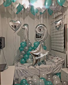 Cumple Birthday Goals, Bff Birthday Gift, Birthday Gifts For Best Friend, Birthday Balloon Decorations, Balloon Centerpieces, Birthday Balloons, 19th Birthday Cakes, 18th Birthday Party, Hotel Party