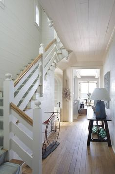Entry and Hall in A Seaside Cottage by Tammy Connor Interior Design on Beach Cottage Style, Beach Cottage Decor, Coastal Cottage, Coastal Living, Nantucket, Salons Cottage, Balustrades, Cap Ferret, Interior Design Advice