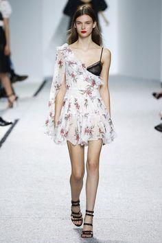 Giambattista Valli   Ready-to-Wear Spring 2017   Look 8