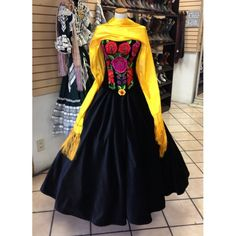 Idea for wedding dress Mexican Fashion, Mexican Outfit, Mexican Dresses, Mexican Style, Mexican Art, Traditional Mexican Dress, Traditional Outfits, Ball Gown Dresses, 15 Dresses