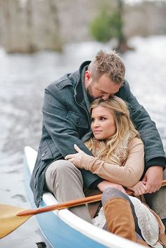 Engagement Photo Poses For Couples Part 2 ❤ See more: http://www.weddingforward.com/marriage-proposal-photo-ideas/ #weddings