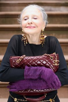 60歳からが本番!NYのおしゃれマダムから学ぶファッションと人生 - Locari(ロカリ)